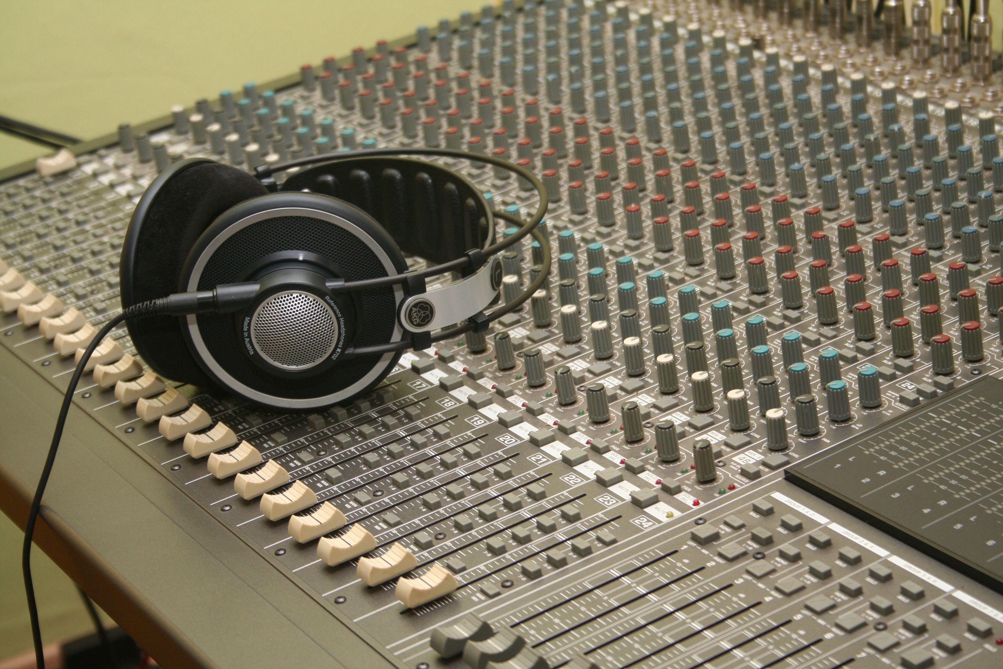 studio-11
